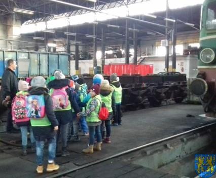 Jedzie pociąg z daleka (4)