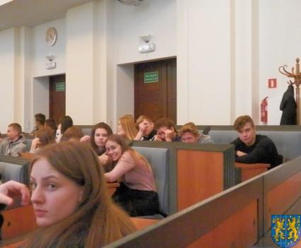 Lekcja  wiedzy o społeczeństwie w Urzędzie Marszałkowskim (9)