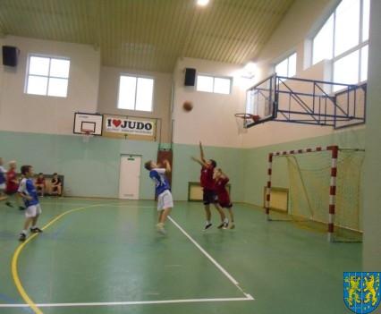 Półfinał powiatowy mini koszykówki (4)