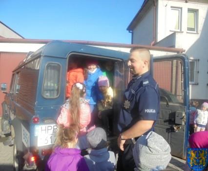 Przedszkolaki trafiły na policję (14)