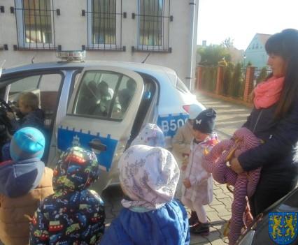 Przedszkolaki trafiły na policję (21)