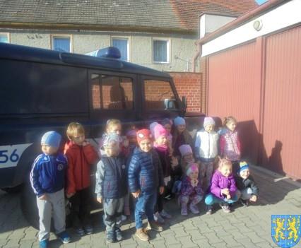 Przedszkolaki trafiły na policję (7)