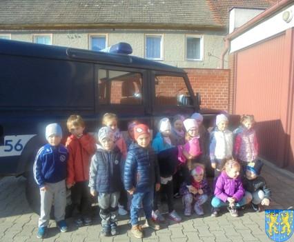 Przedszkolaki trafiły na policję (8)