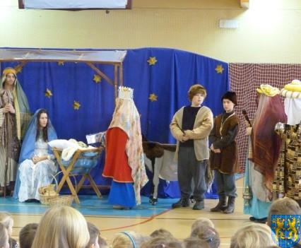 Jasełka Bożonarodzeniowe w kamienieckiej szkole (14)