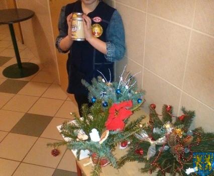 Szkolny kiermasz bożonarodzeniowy (16)