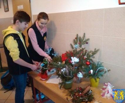 Szkolny kiermasz bożonarodzeniowy (17)