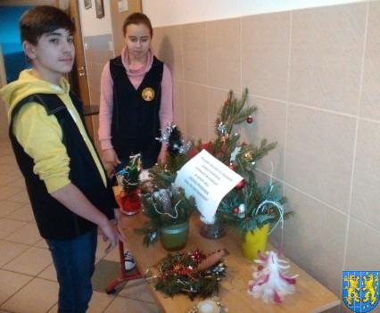 Szkolny kiermasz bożonarodzeniowy (18)