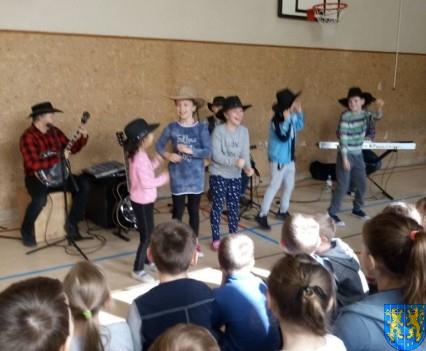 A potem wyruszą na Festiwal Piknik Country Folk w Mrągowie (12)