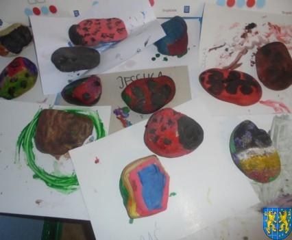 Malowanie kamieni zabawa dla małych artystów (2)