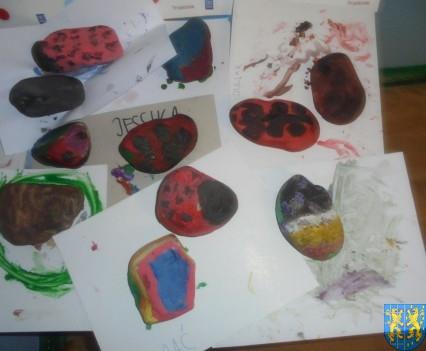 Malowanie kamieni zabawa dla małych artystów (3)