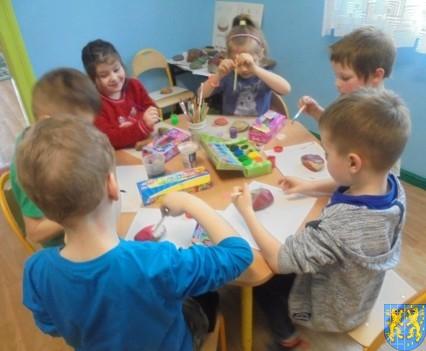 Malowanie kamieni zabawa dla małych artystów (8)