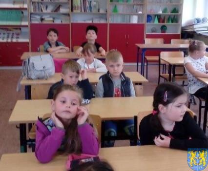 Bajkowe skrzaty z Baśniowej Krainy z wizytą w Szkole Podstawowej nr 1 (16)