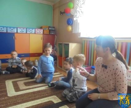Dzieci kochają zwierzęta (2)