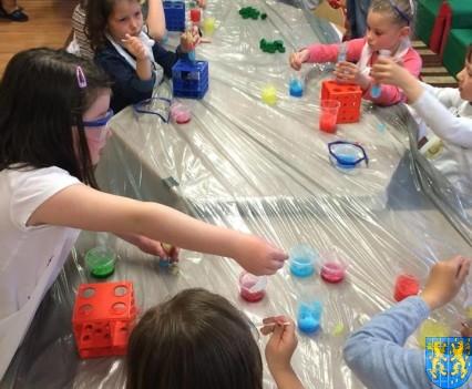 Jak powstają bańki mydlane (1)