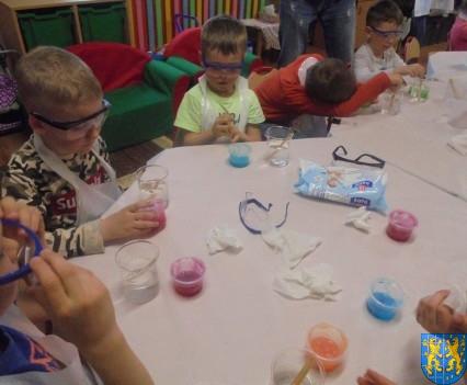 Jak powstają bańki mydlane (15)