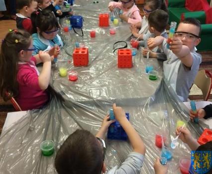 Jak powstają bańki mydlane (3)