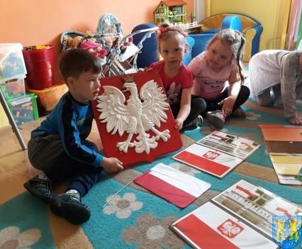 Lekcja patriotyzmu wśród przedszkolaków (1)