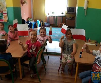 Lekcja patriotyzmu wśród przedszkolaków (12)