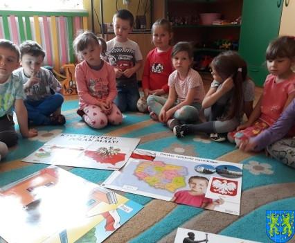 Lekcja patriotyzmu wśród przedszkolaków (2)