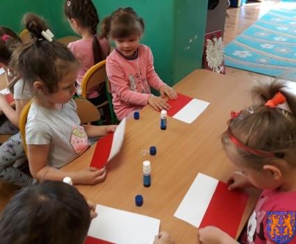 Lekcja patriotyzmu wśród przedszkolaków (6)