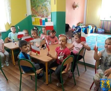 Lekcja patriotyzmu wśród przedszkolaków_ (1)