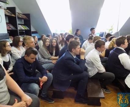 Spotkanie autorskie w kamienieckiej szkole (7)