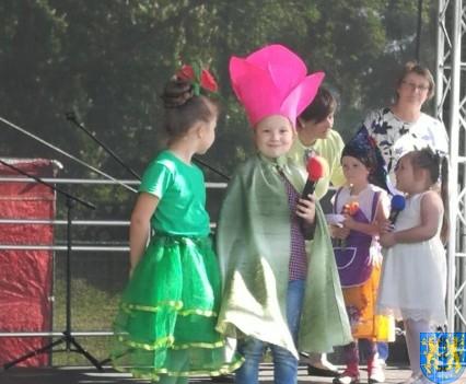 Przedszkolaki z Baśniowej Krainy kolejny raz na Święcie Tulipanów (15)
