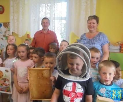 Pszczelarz w Baśniowej Krainie (18)