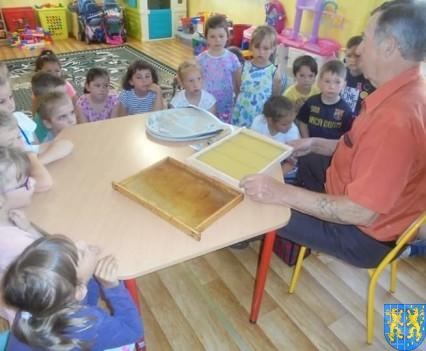 Pszczelarz w Baśniowej Krainie (21)