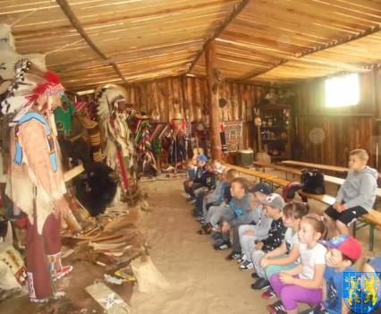 Smerfy w indiańskiej wiosce (14)