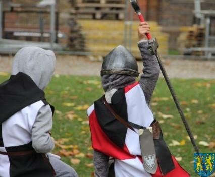 Bieg wystawa bitwy i koncerty (121)