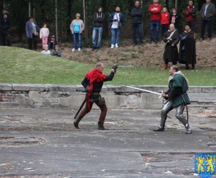 Bieg wystawa bitwy i koncerty (160)