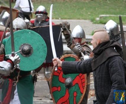 Bieg wystawa bitwy i koncerty (175)
