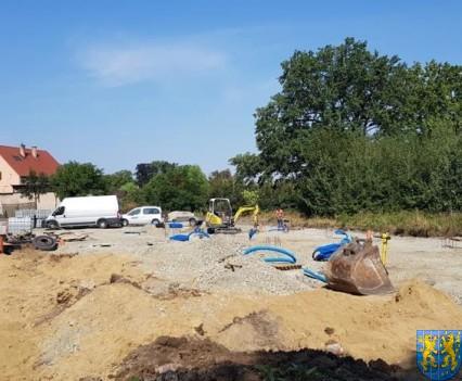 Nowy plac targowy w Kamiencu Zabkowickim (15)