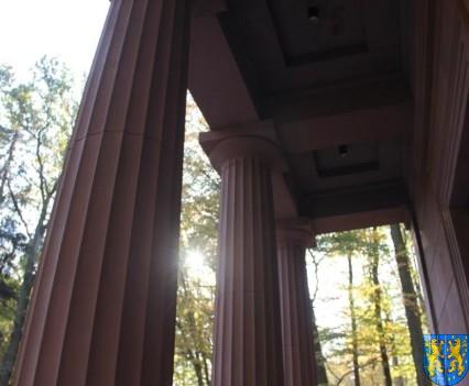Mauzoleum w Kamieńcu Ząbkowickim odnowione i dostępne (10)
