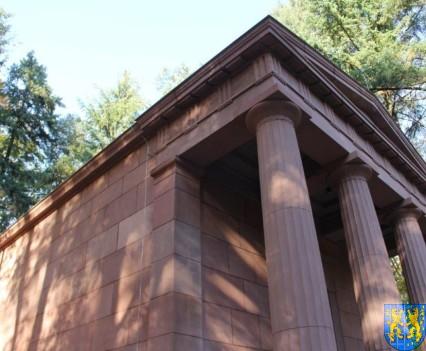 Mauzoleum w Kamieńcu Ząbkowickim odnowione i dostępne (18)
