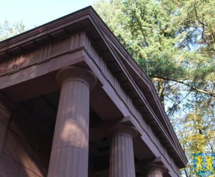 Mauzoleum w Kamieńcu Ząbkowickim odnowione i dostępne (19)