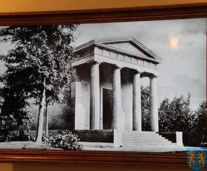Mauzoleum w Kamieńcu Ząbkowickim odnowione i dostępne (71)