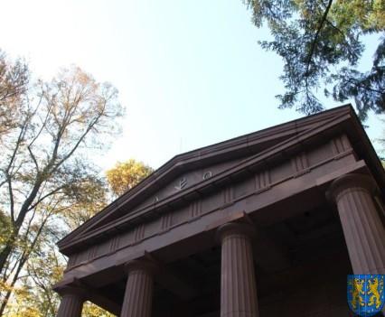 Mauzoleum w Kamieńcu Ząbkowickim odnowione i dostępne (8)