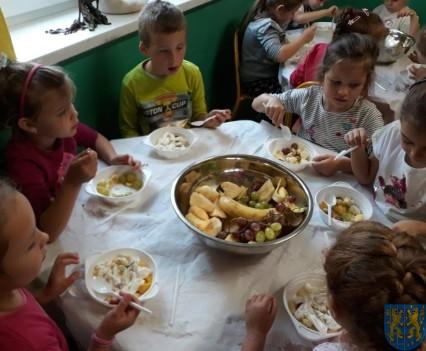 Owocowe szaleństwo Tygrysków w Baśniowej Krainie (12)