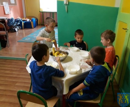 Owocowe szaleństwo Tygrysków w Baśniowej Krainie (14)