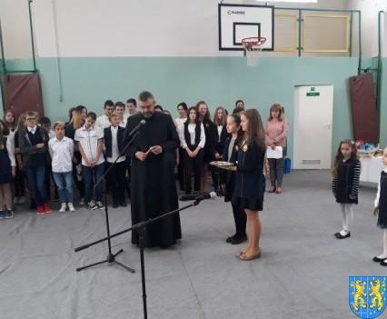 Pasowanie Pierwszoklasistów w Szkole Podstawowej nr 2 (2)