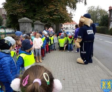 Przedszkolaki z Baśniowej Krainy na spotkaniu z Komisarzem Lwem (1)
