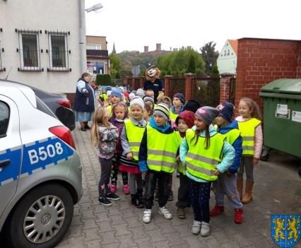 Przedszkolaki z Baśniowej Krainy na spotkaniu z Komisarzem Lwem (10)