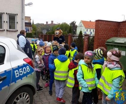Przedszkolaki z Baśniowej Krainy na spotkaniu z Komisarzem Lwem (16)
