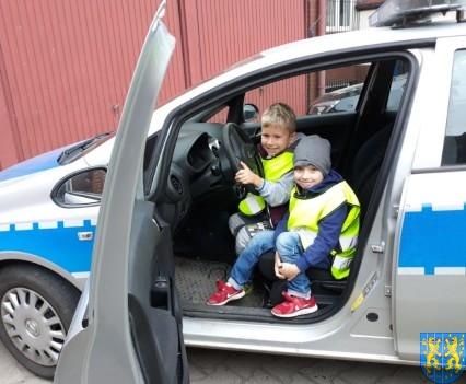 Przedszkolaki z Baśniowej Krainy na spotkaniu z Komisarzem Lwem (24)