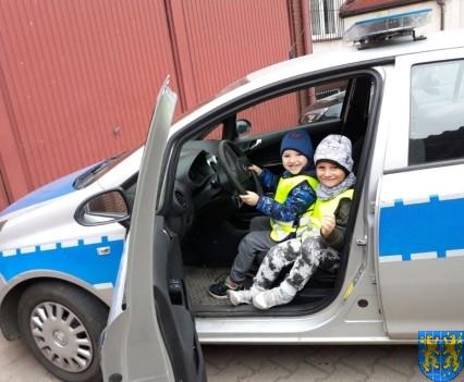 Przedszkolaki z Baśniowej Krainy na spotkaniu z Komisarzem Lwem (26)