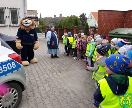 Przedszkolaki z Baśniowej Krainy na spotkaniu z Komisarzem Lwem (29)