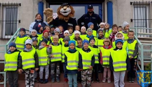 Przedszkolaki z Baśniowej Krainy na spotkaniu z Komisarzem Lwem