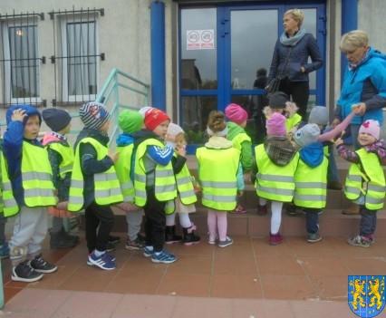 Przedszkolaki z Baśniowej Krainy na spotkaniu z Komisarzem Lwem (36)
